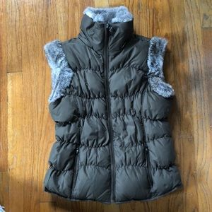 Twisted Heart Puffer Vest with Fur Trim